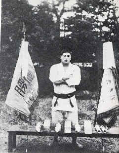 Kimura with the Championship Flags
